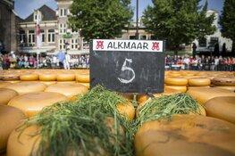 Ambassadeur van Zweden opent Alkmaarse kaasmarkt