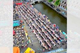 Ruim 800 Alkmaarders vestigen wereldrecord 'kaas proeven'