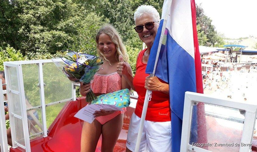 Prachtig weer brengt 40.000ste bezoeker bij Zwembad de Bever