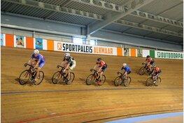 Introductielessen tijdens kick off baanseizoen in Sportpaleis Alkmaar
