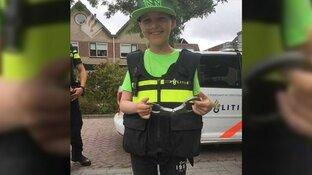 Alkmaarse politieagenten brengen bezoek aan jonge kankerpatiënt