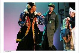 Knallende muziektheaterproductie 'De Krijtkring' van De Toneelmakerij in De Vest Meeslepende rollercoaster voor de hele familie met Frédérique Spigt en band