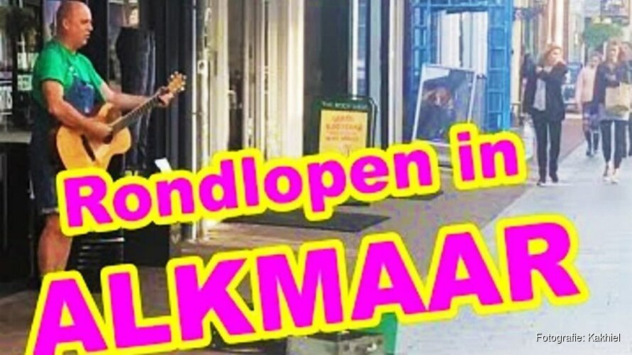 """Grapjas Kakhiel maakt Alkmaar belachelijk: """"Alles is van kaas"""""""