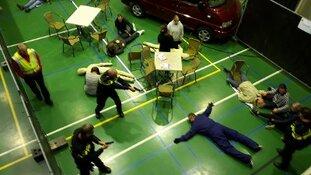 Realistische extreem geweld oefeningen in Alkmaar