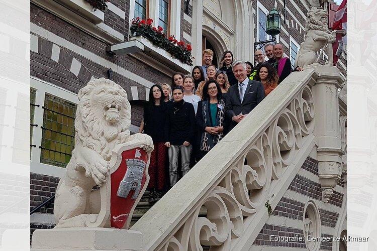 Albanese delegatie bezoekt gemeente Alkmaar als voorbeeld LHBTI-beleid