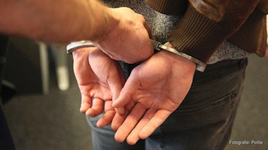 Alkmaarder (33) aangehouden na woninginval in Delfzijl
