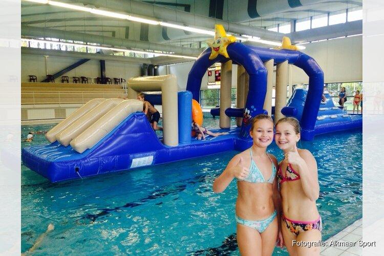Kerstsferen in zwembad Hoornse Vaart