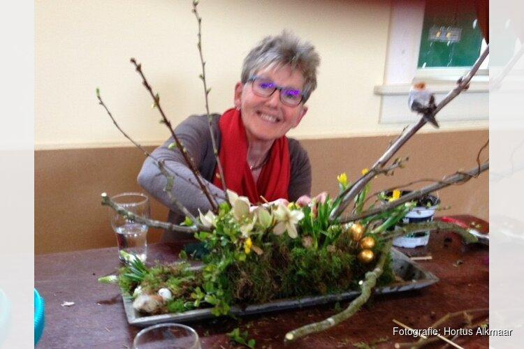 Workshop bloemschikken voor Kerstmis bij Hortus Alkmaar