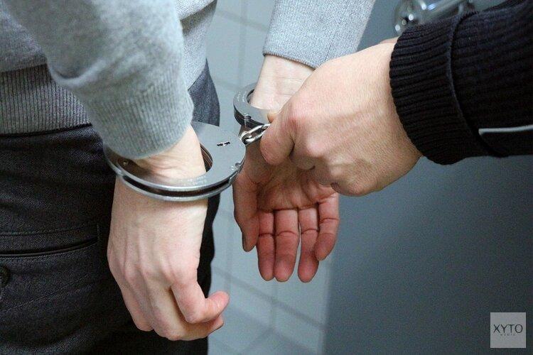 Twee mannen aangehouden na roven van ketting