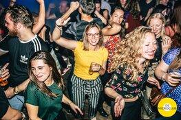 Microclubben verovert de landelijke dansvloer.  Nu ook vroeg op de avond dansen in Alkmaar!