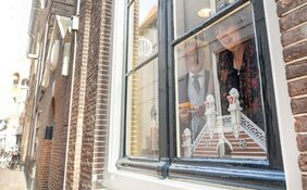 Elfendeurtje stadhuis Alkmaar