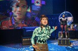 'REVOLUTIONS': Zenuwslepende sci-fi thriller in het theater