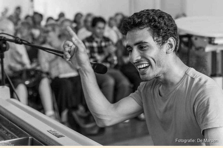 Klavierconcert door Aehem Ahmad, pianist tussen de puinhopen