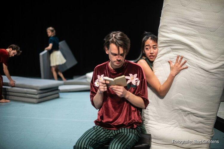 Familie - dansconcert 'Lepeltje Lepeltje' in TAQA Theater De Vest