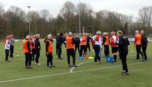 Succesvolle pilot Old Stars Walking Football bij Alkmaarsche Boys