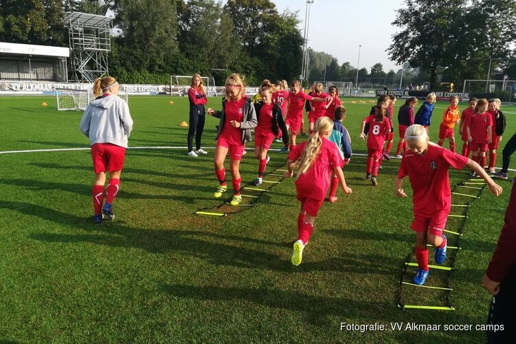 VV Alkmaar Voetbaldag voor meiden in meivakantie