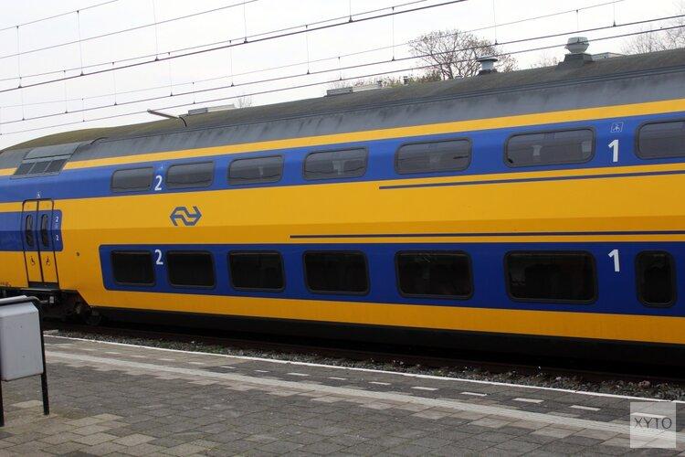 Eén relschopper aangehouden, trein onder politiebegeleiding verder