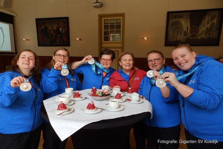 G-handbalsters gehuldigd na zilveren plak op Special Olympics World Games