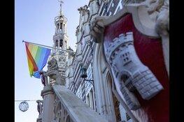 Alkmaar Pride en AZ openen kaasmarkt