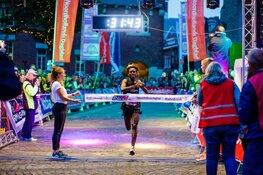 Binnenstad Alkmaar één grote dansvloer tijdens Alkmaar City Run by night