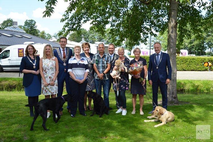 Koninklijke hulde voor 'hondstrouwe' vrijwilligers, Alkmaarse Jacqueline van Beek geëerd