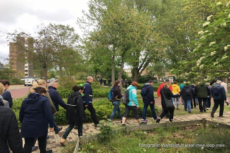 Wandelclub klaar-mee-loop-mee wandelt lekker door in de zomer