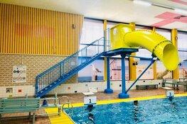 Opening spectaculaire glijbaan in zwembad Hoornse Vaart