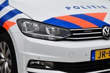 Wilde achtervolging met uit Alkmaar gestolen auto eindigt met crash in sloot