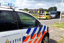 Vrouw wordt onwel in taxibus onderweg naar ziekenhuis