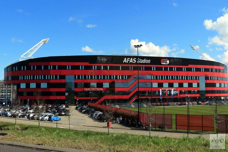 """Driekwart van dak AZ-stadion wordt gesloopt én uitgebreid: """"Daarna beter bestand tegen wind"""""""