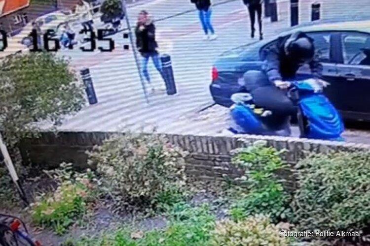 Heftig: Scooter botst op bejaarde (85) fietser en gaat er zomaar vandoor