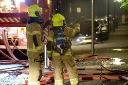 Uitslaande brand op zolder in Alkmaarse woning: omliggende huizen ontruimd