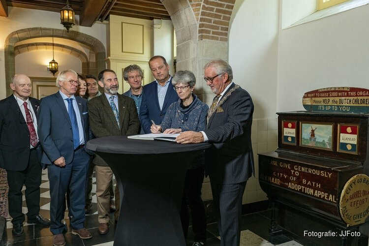 Loan-agreement Bath-orgel getekend