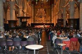 Kerstliederen zingen in de Grote Kerk