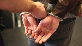 Vijf leden van motorclub Hardliners aangehouden