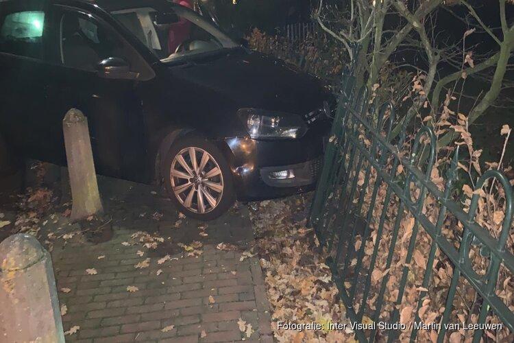 Auto uit de bocht in Sint Pancras