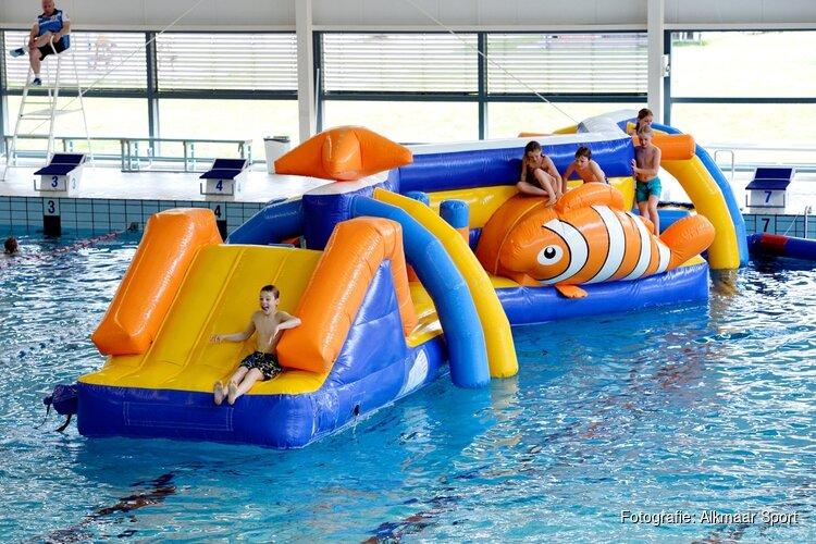 Volop kerst in zwembad Hoornse Vaart
