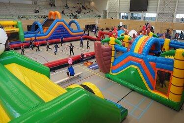 Klimmen, springen & klauteren tijdens het Sportspektakel in sporthal Hoornse Vaart