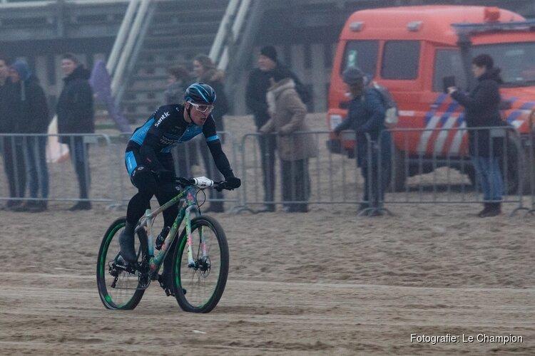 Europees kampioen Ivar Slik aan de start bij Egmond-Pier-Egmond