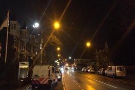 Inbreker mogelijk betrapt in Alkmaarse woning: politie zoekt met kraan op dak
