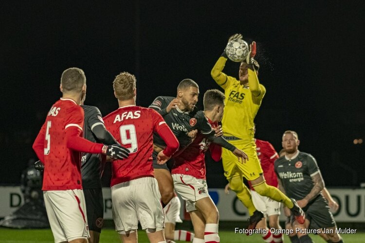 Jong AZ knokt zich langs Almere City FC