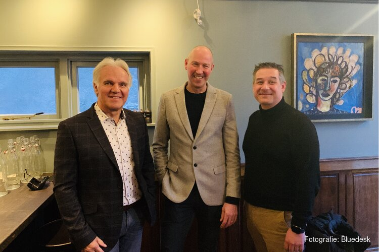 Bluedesk E-business neemt na 25 jaar afscheid van Hendrik Jan de Boer