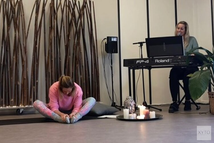 Huiskamer Yogaconcert – 50% voor het Rode Kruis
