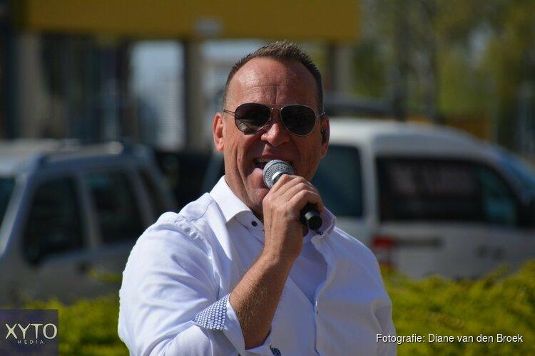 Zanger Joost de Vries verrast bewoners De Raatstede