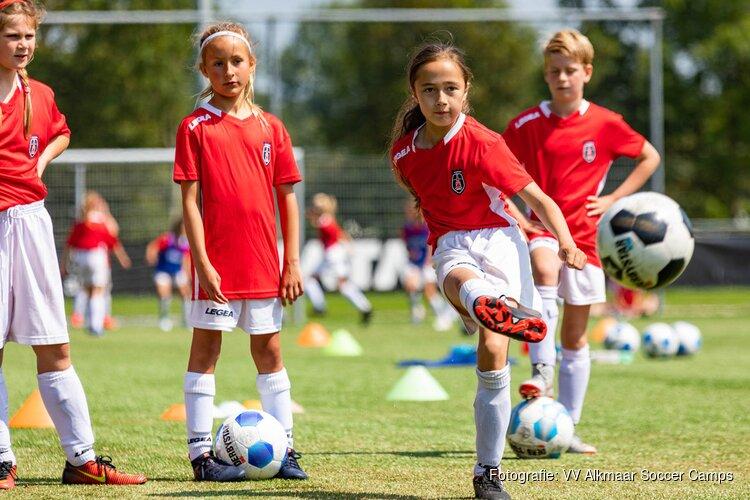 Voetbalkampen voor meisjes in Alkmaar deze zomer