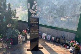 """Gedenksteen voor doodgereden Ilayda (15) in Heerhugowaard: """"Ontroerend en indrukwekkend"""""""