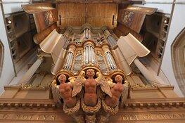 Gratis kaasmarktconcert vrijdag 3 juli Grote Kerk Alkmaar Organist Frank van Wijk bespeelt beide wereldberoemde orgels