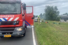 Auto vliegt al rijdend in brand in Alkmaar