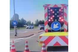 Vrachtwagen verliest dieplader op Noordervaart
