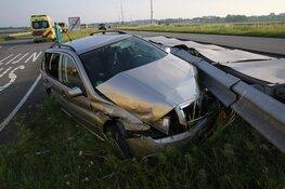 Drie gewonden bij eenzijdig ongeval N242